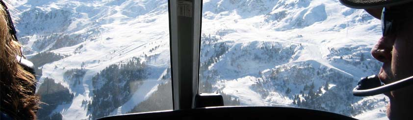 Helicopter Sightseeing Flights and Helicopter Tourist Flights - Picture: View through the cockpit of a helicopter during a Sightseeing tour